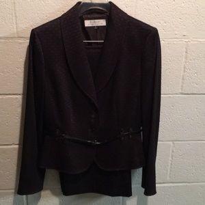 Tahari suit set size 6